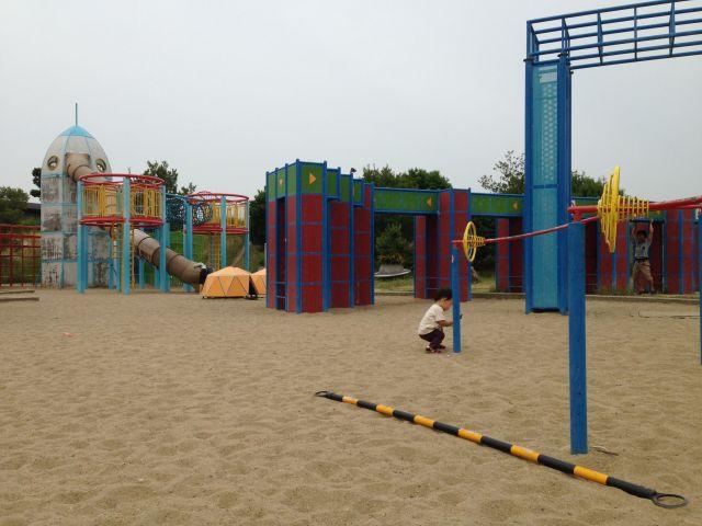 深北緑地公園は、子どもと遊ぶオススメスポット!(大阪府大東市)/ロケット広場